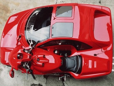 10年以上の歳月をかけて作られたフルサイズのサイドカー付きバイク