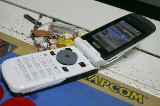 N902iXにコントローラアダプタその1