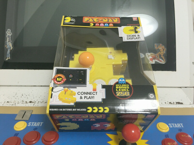 PAC-MAN Connect and Play 箱
