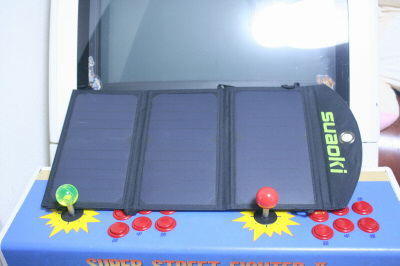 suaoki 20Wソーラーバッテリー充電器 展開