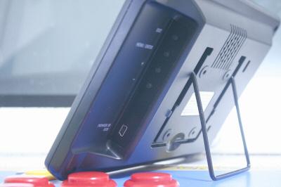 LCD-8000V 横02
